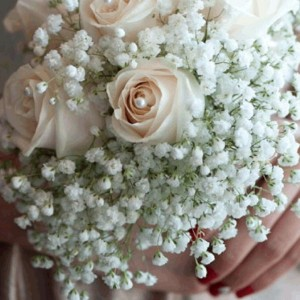 vancouver small weddings maid of honor bouquet